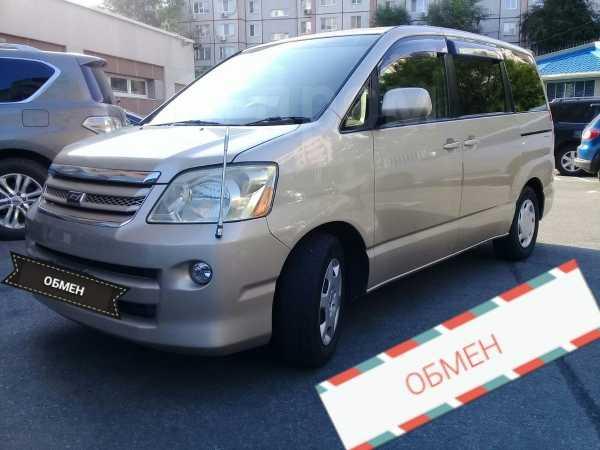 Toyota Noah, 2005 год, 578 000 руб.