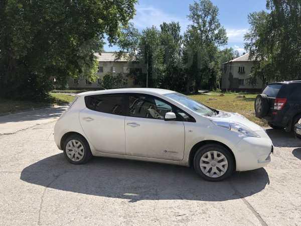 Nissan Leaf, 2015 год, 800 000 руб.