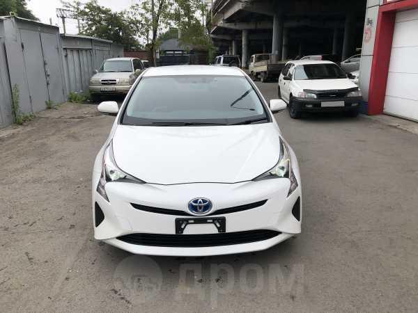 Toyota Prius, 2016 год, 1 075 000 руб.