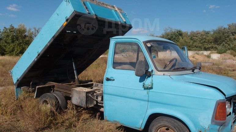 Ford Tourneo Connect, 1984 год, 248 000 руб.