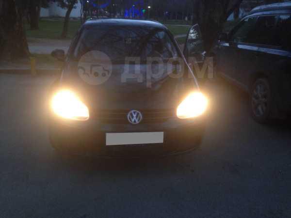 Volkswagen Golf, 2004 год, 365 000 руб.