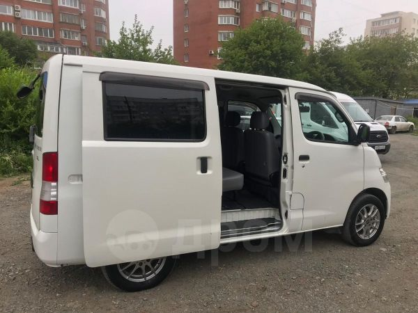 Toyota Town Ace, 2013 год, 495 000 руб.