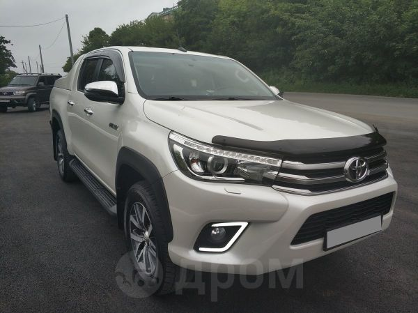 Toyota Hilux Pick Up, 2017 год, 2 400 000 руб.