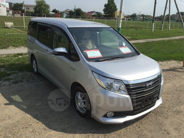 Toyota Noah, 2014 год, 1 369 000 руб.