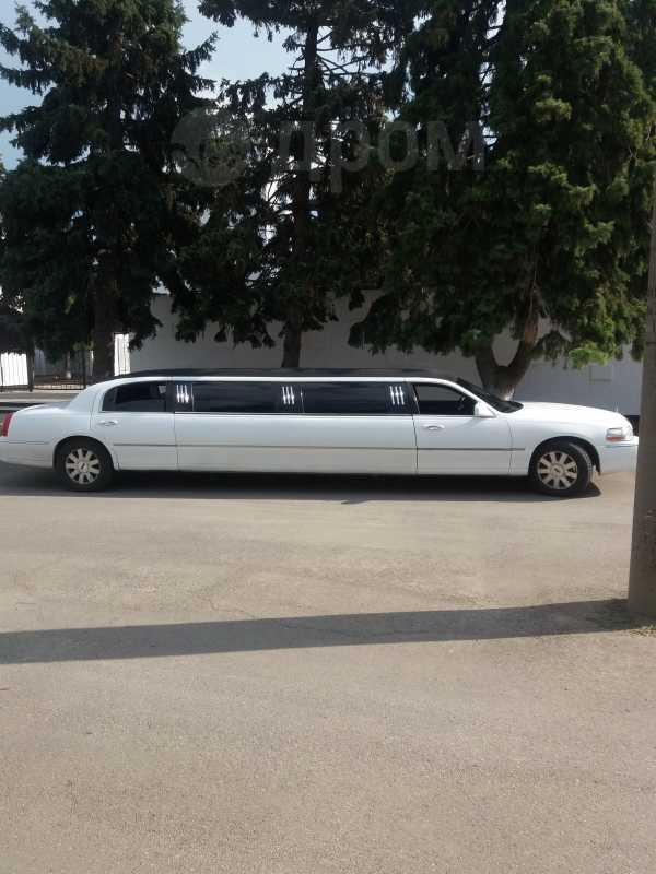Lincoln Town Car, 2003 год, 484 000 руб.