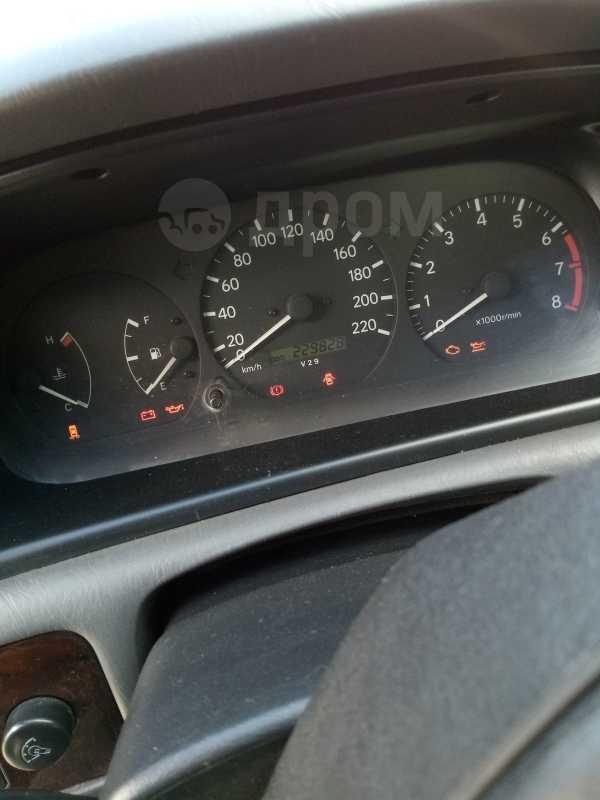 Toyota Camry, 1998 год, 280 000 руб.