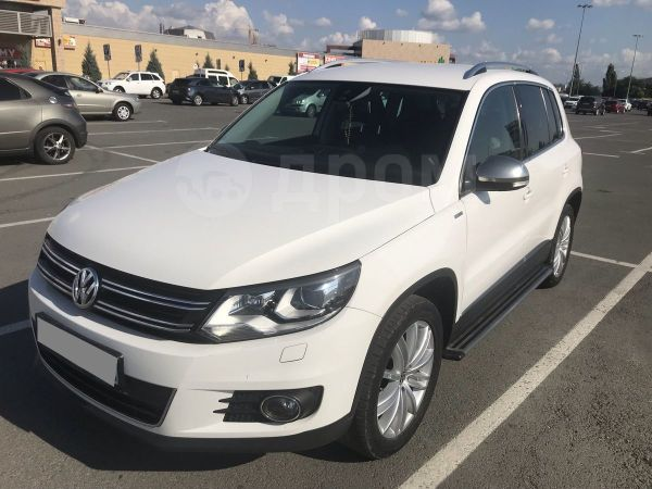 Volkswagen Tiguan, 2013 год, 955 000 руб.