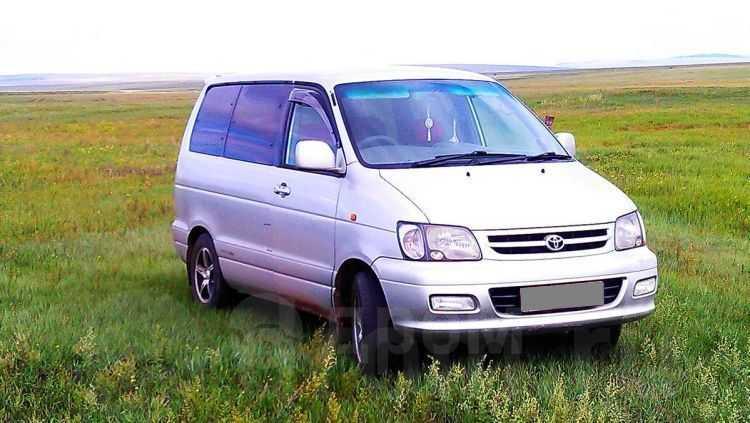 Toyota Town Ace Noah, 2001 год, 200 000 руб.
