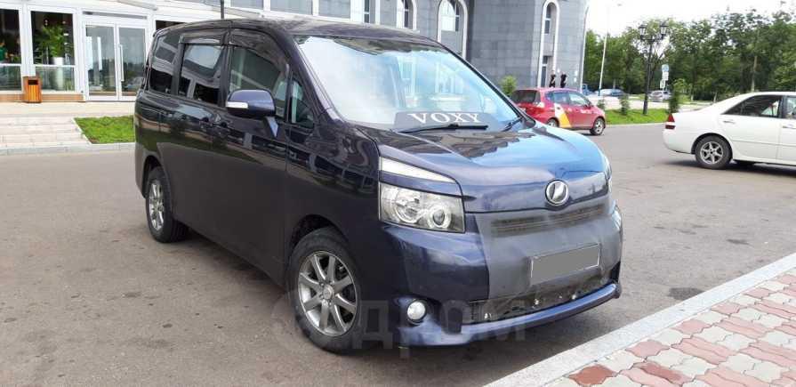 Toyota Voxy, 2007 год, 700 000 руб.