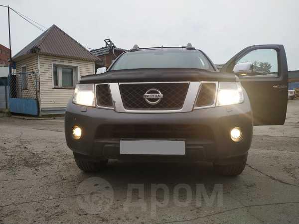 Nissan Navara, 2010 год, 935 000 руб.