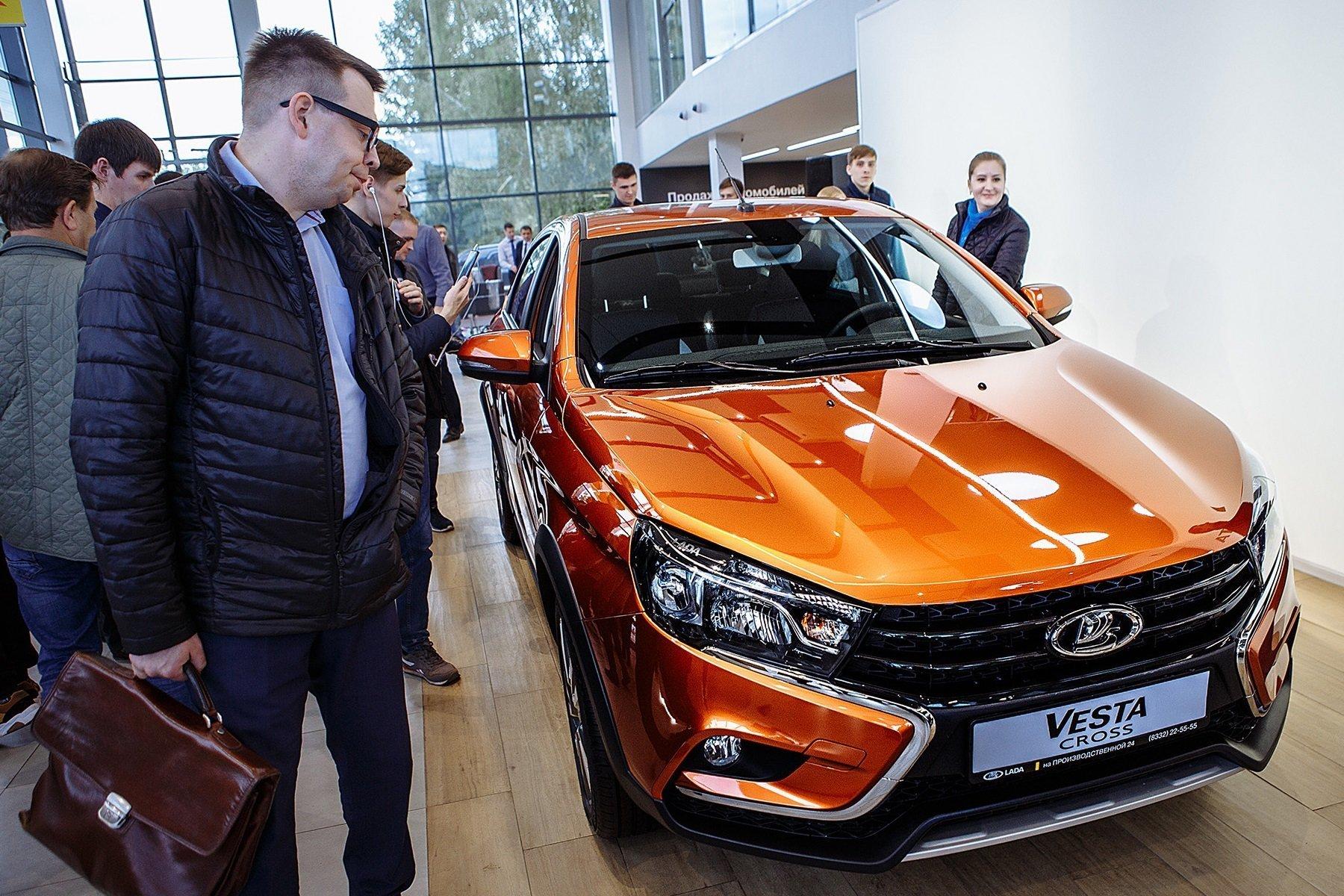 Renault и АвтоВАЗ одновременно повысили цены на свои автомобили