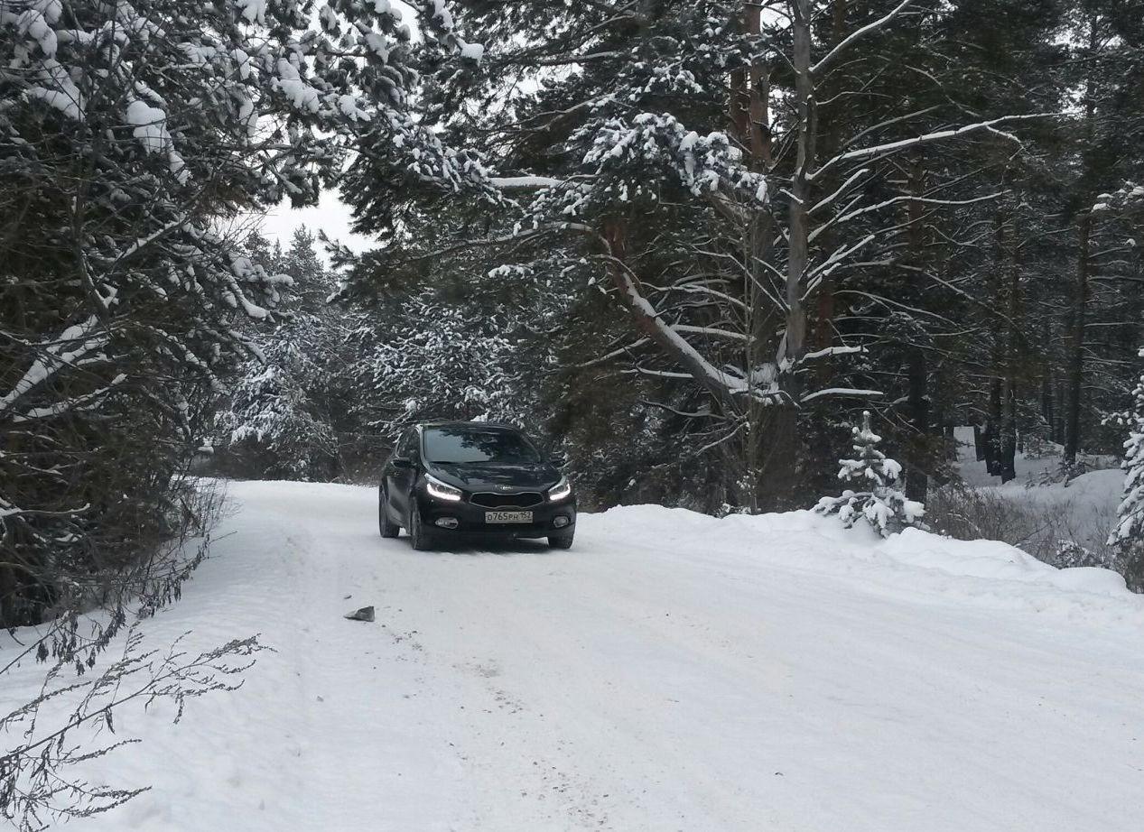В зимнее время автомобиль всегда был готов согреть своим теплом.