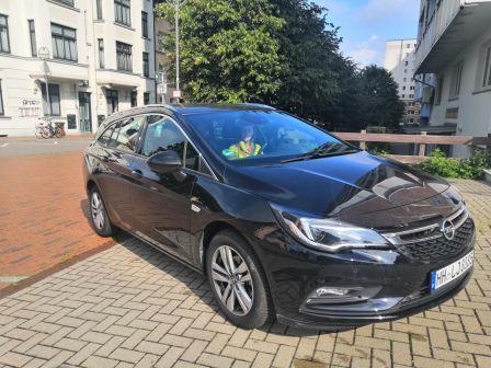 Opel Astra 2019 - отзыв владельца