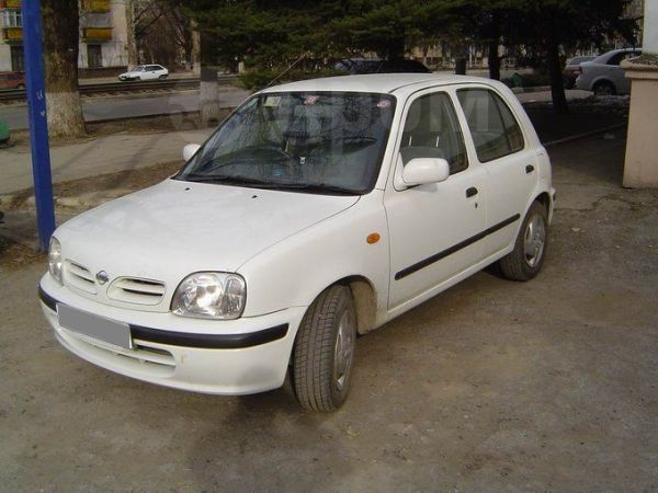 Nissan March, 2000 год, 125 000 руб.