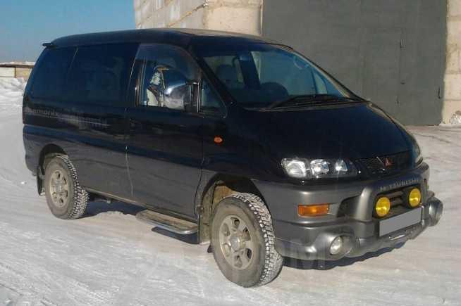Mitsubishi Delica, 2003 год, 400 000 руб.