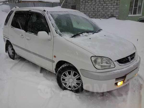 Toyota Raum, 2000 год, 275 000 руб.