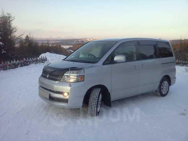 Toyota Voxy, 2004 год, 500 000 руб.