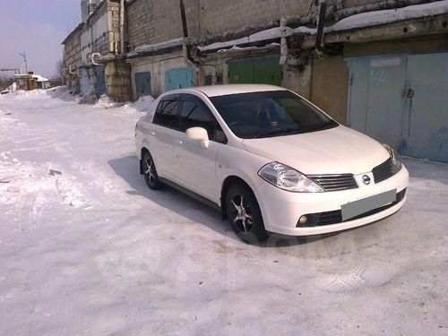Nissan Tiida, 2005 год, 400 000 руб.