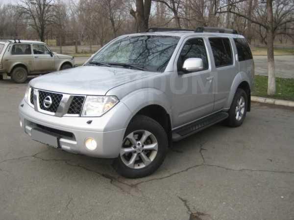 Nissan Pathfinder, 2009 год, 960 000 руб.