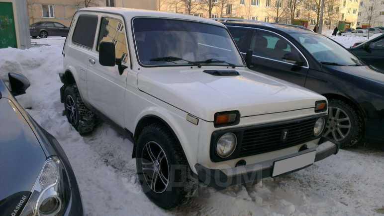 Лада 4x4 2121 Нива, 2004 год, 135 000 руб.