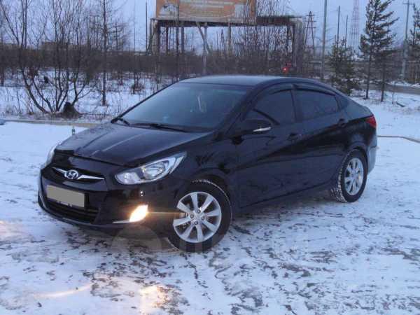 Hyundai Solaris, 2011 год, 700 000 руб.