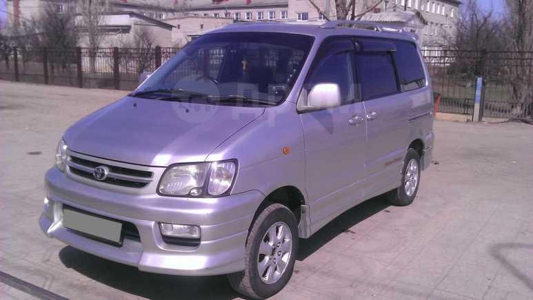 Toyota Town Ace Noah, 1999 год, 390 000 руб.