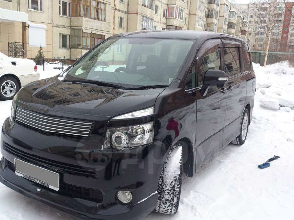Toyota Voxy, 2008 год, 650 000 руб.