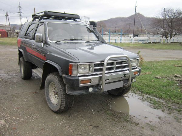 Toyota Hilux Surf, 1987 год, 300 000 руб.