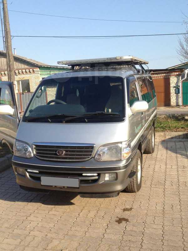 Toyota Hiace, 2002 год, 499 000 руб.