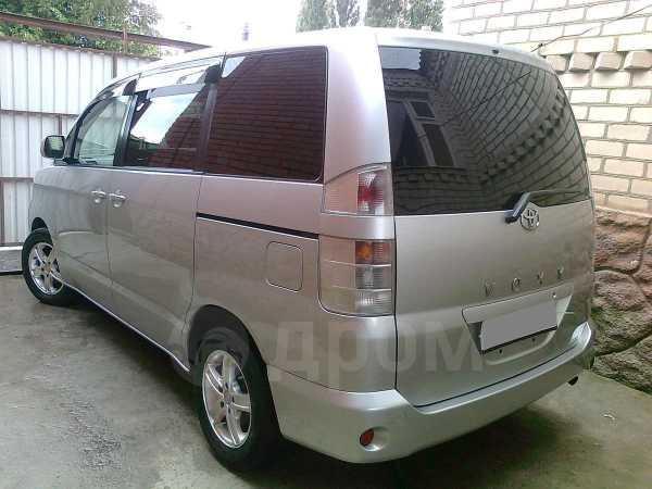 Toyota Voxy, 2003 год, 500 000 руб.