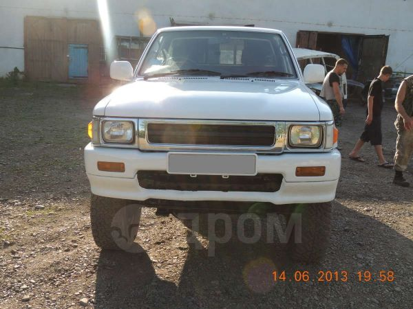 Toyota Hilux Pick Up, 1992 год, 570 000 руб.