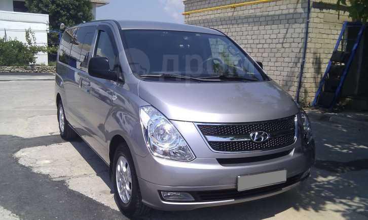 Hyundai Grand Starex, 2010 год, 870 000 руб.