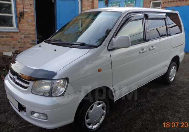 Toyota Noah, 2000 год, 490 000 руб.