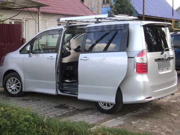 Toyota Noah, 2008 год, 770 000 руб.
