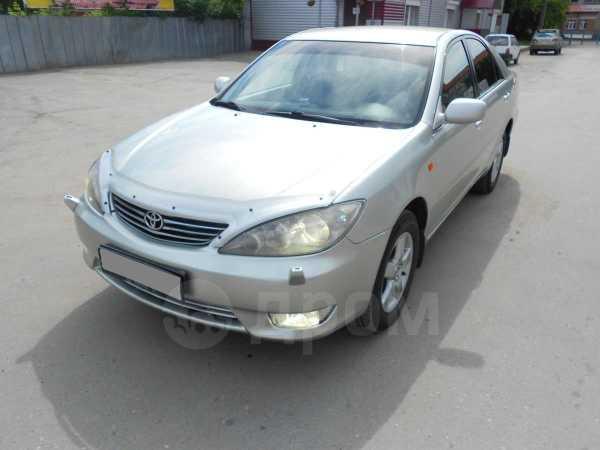 Toyota Camry, 2005 год, 635 000 руб.