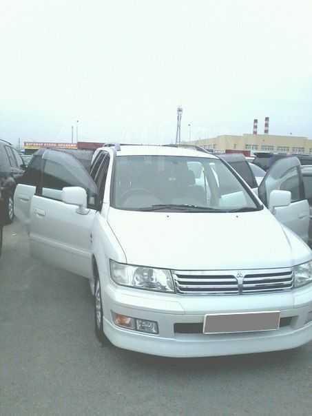Mitsubishi Chariot Grandis, 1999 год, 340 000 руб.