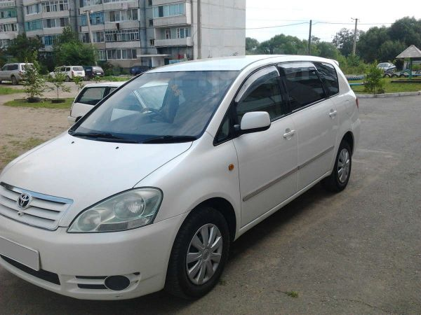 Toyota Ipsum, 2002 год, 375 000 руб.