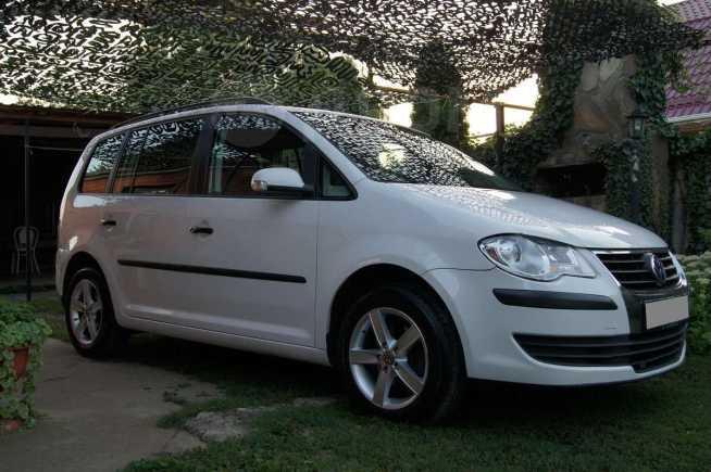 Volkswagen Touran, 2008 год, 650 000 руб.