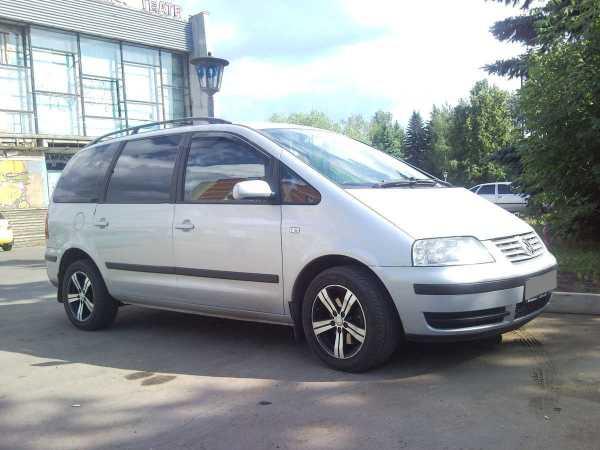 Volkswagen Sharan, 2002 год, 395 000 руб.
