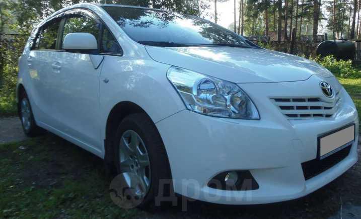 Toyota Verso, 2011 год, 800 000 руб.