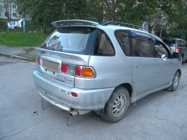 Toyota Ipsum, 1997 год, 215 000 руб.