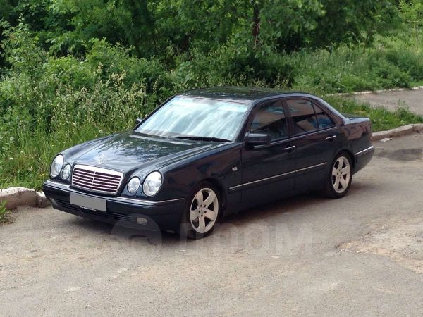 Mercedes-Benz E-Class, 1996 год, 340 000 руб.