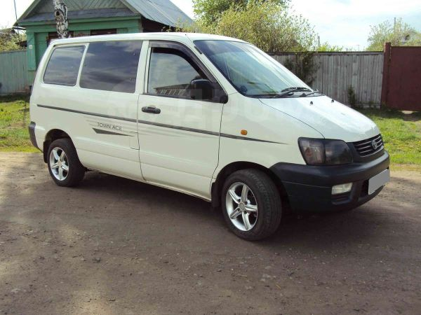 Toyota Town Ace, 2002 год, 310 000 руб.