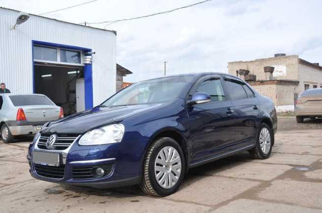 Volkswagen Jetta, 2010 год, 640 000 руб.
