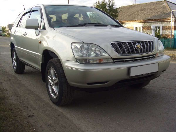 Toyota Harrier, 2002 год, 630 000 руб.