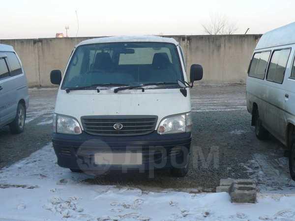 Toyota Hiace, 2002 год, 445 000 руб.
