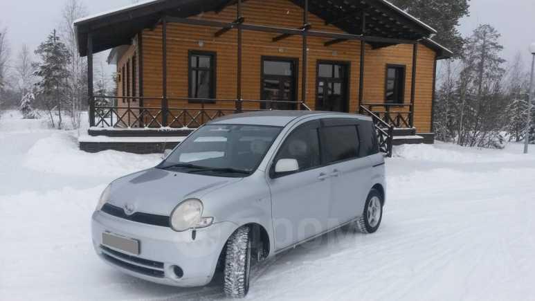 Toyota Sienta, 2004 год, 310 000 руб.