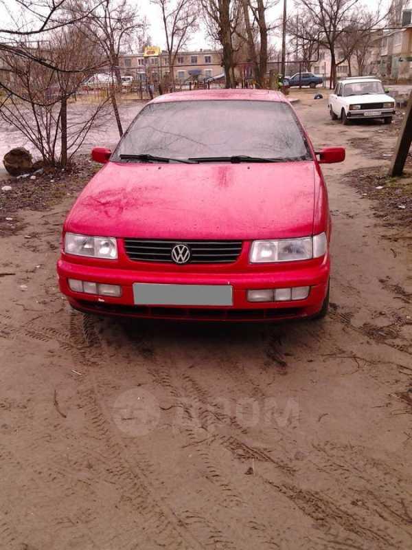 Volkswagen Passat, 1994 год, 125 000 руб.