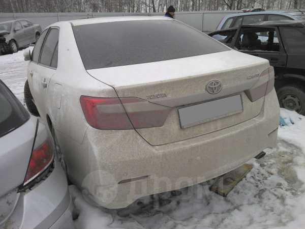 Toyota Camry, 2013 год, 750 000 руб.