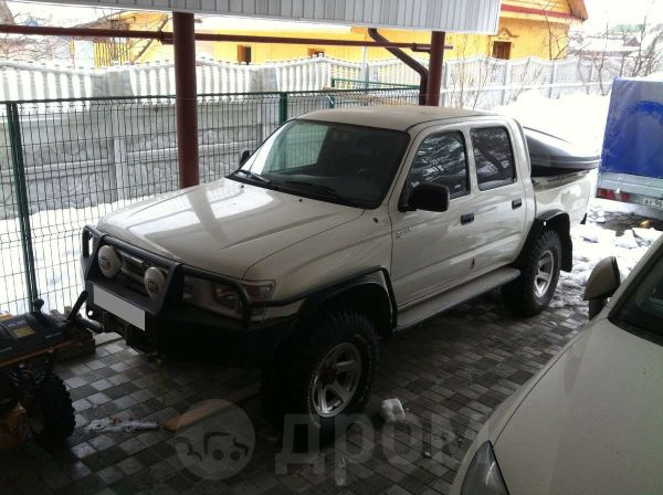 Toyota Hilux Pick Up, 2001 год, 650 000 руб.